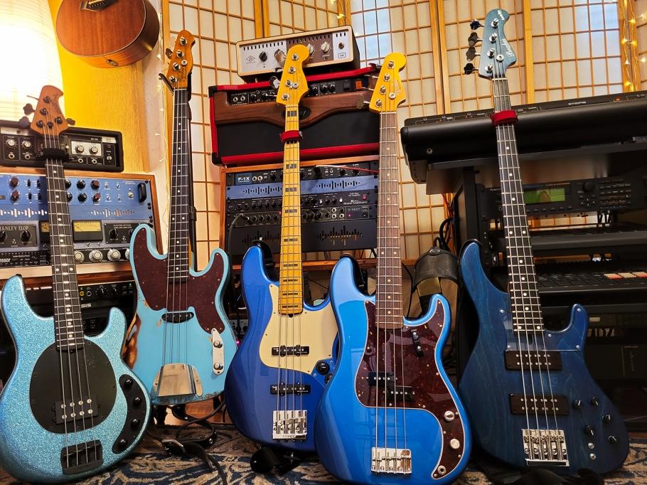 blue_basses_RG